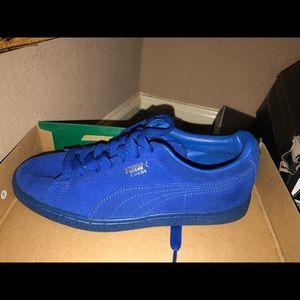 Puma blue tennis shoes